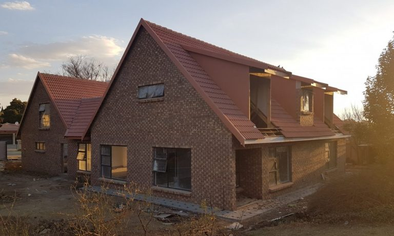 Attic roof installation from Miiddelburg Dakkappe